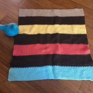 Small hand crocheted 🧶 cotton baby blanket
